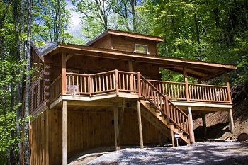 authentic log cabin for 4 on wooded property