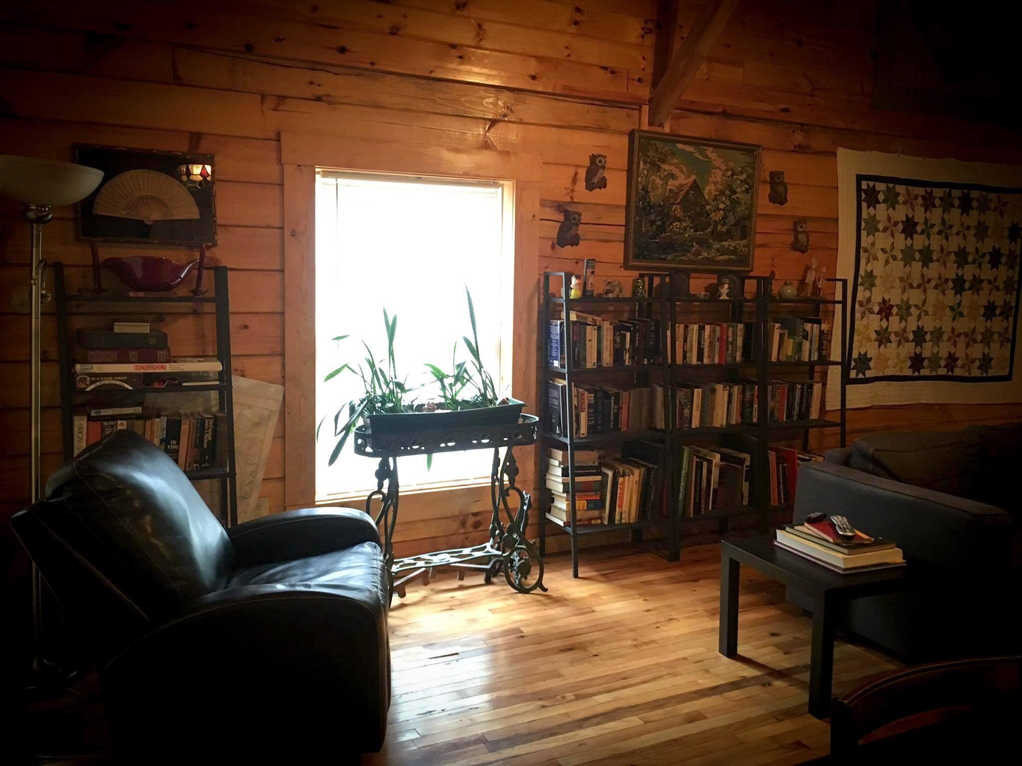 peaceful palace living room at natural bridge