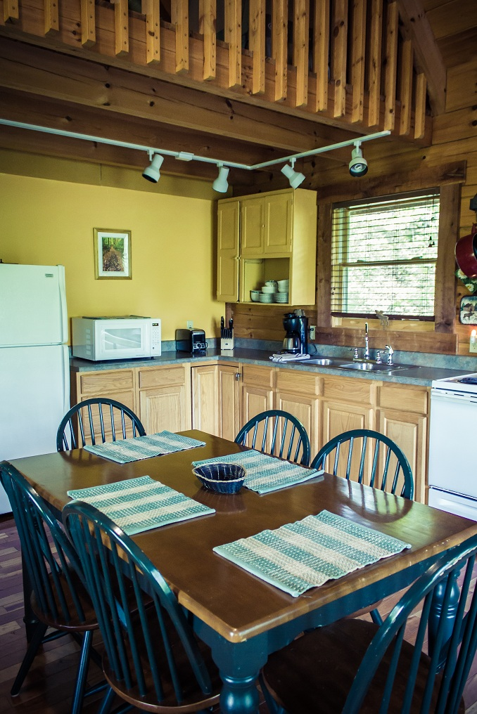 fully equipped kitchen with a cheerful atmostphere