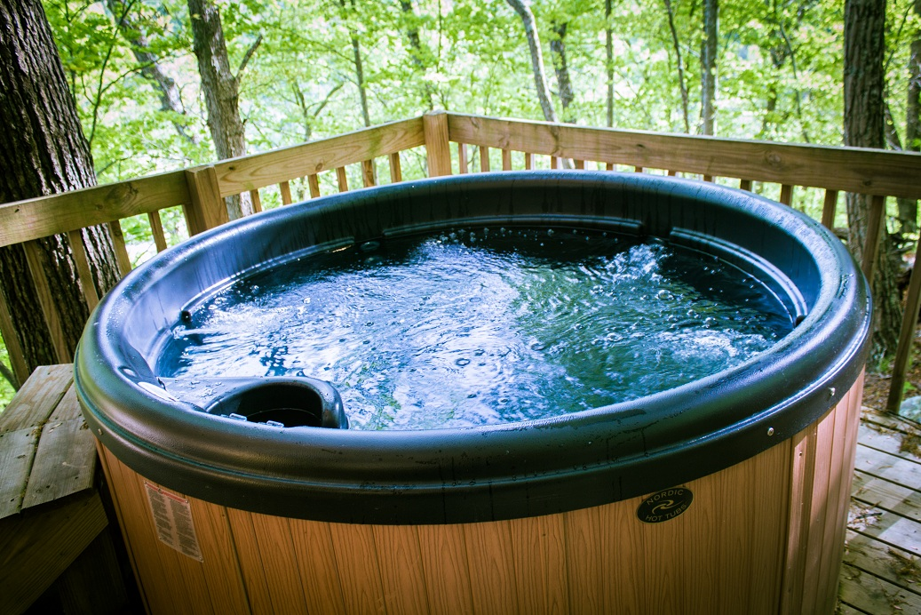bubbly hot tub in the red river gorge