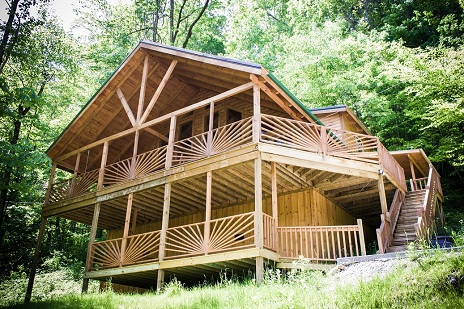 full view of spacious chalet in the red river gorge