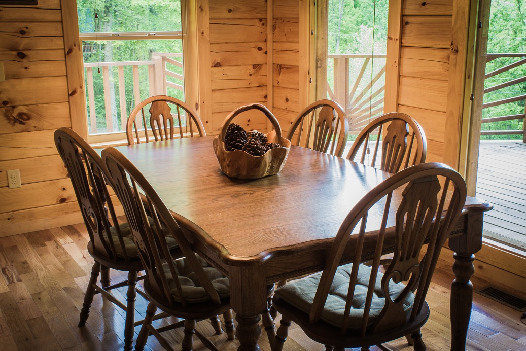 dining room with sublime view of the red river gorge
