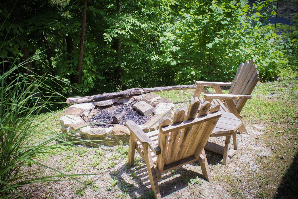 get toasty by the fire in the red river gorge