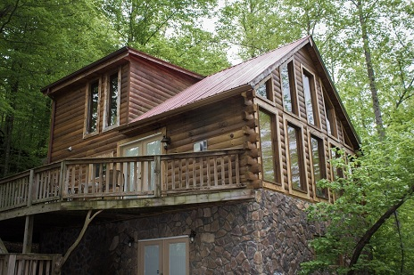 charming cabin across from the red river gorge entrance