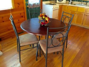kitchen-table-presenting-mtn-rose